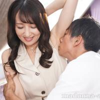 元国際線キャビンアテンダントの人妻 坂井希